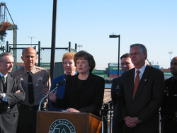 Dianne Feinstein and James Hahn at the Long Beach Port.png