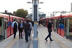 Docklands Light Railway 132 (6176513162).jpg