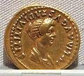 Domiziano, aureo per tito divinizzato e giulia, 86-91 dc.JPG