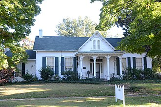 National Register of Historic Places listings in Crawford County, Arkansas - Image: Dr. Charles Fox Brown House, Van Buren, AR, Front View