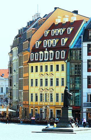 file dresden haus an der frauenkirche 20 hellgelb jpg wikimedia commons. Black Bedroom Furniture Sets. Home Design Ideas