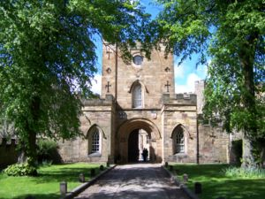 Third-oldest university in England debate - Image: Durham Castle Eingang