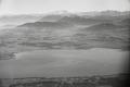 ETH-BIB-Chiemsee, dahinter die Alpen-Weitere-LBS MH02-33-0034.tif