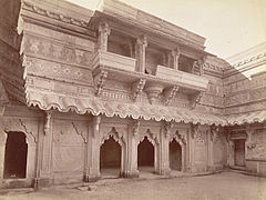 Eastern face of Inner Court yard of Man Mandir, Gwalior Fort..jpg