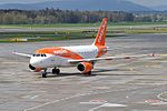 EasyJet Airline Airbus A319-111 G-EZDJ (26736856650).jpg