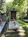 Egon Bondy-hrob, Hřbitov Malvazinky 37.jpg
