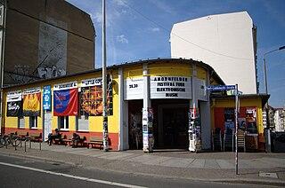 An der Karli - Eingang der naTo im Jahr 2007 - C-M / CC-BY-SA-3.0 (via Wikimedia Commons)