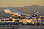 Emirates, Boeing 777-21H(LR), A6-EWF (16263101364).jpg