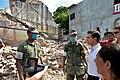 Enrique Peña Nieto visita una zona afectada por el sismo del 7 de septiembre2.jpg