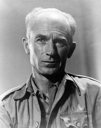 Ernie Pyle - Ernie Pyle in 1945