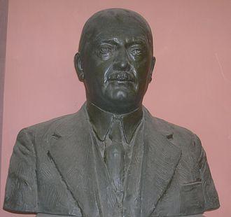 Ernst Späth - bust in the Arkadenhof of the University of Vienna