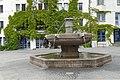 Eselsbrunnen in Halle Saale ohne Shrek Esel - Alter Markt Straßenkunst - panoramio.jpg