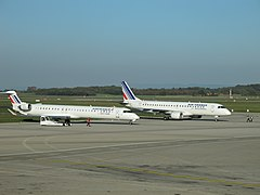 F-HMLG + F-HBLJ - Lyon - 2011-11-11 - IMG 1145.JPG