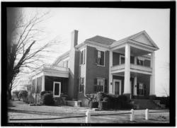 FRONT VIEW. - Governor Robert Lindsay House, U.S. Highway 72, Tuscumbia, Colbert County, AL HABS ALA,17-TUSM,1-1.tif