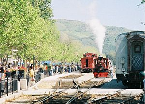 Fillmore and Western Railway - Image: FWRY CA Train Fest March 2004