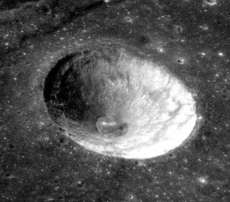 Fahrenheit (crater) - Apollo 17 image