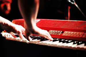 Combo organ - Image: Farfisa Combo Compact Erik Haegert (The Magnificent Brotherhood) live at NBI