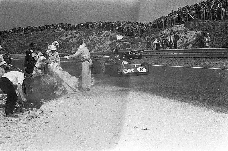 File:Fatal accident at 1973 Dutch Grand Prix (4).jpg