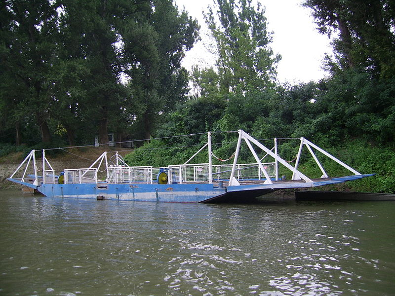 File:Ferry Tiszainoka.JPG