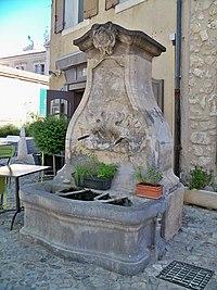Fontaine Saint Augustin.jpg