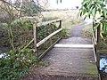 Footbridge near Manor Farm Pond - geograph.org.uk - 1147757.jpg