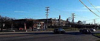 Mount Vernon High School (Virginia) - The former Mount Vernon High School building, seen in 2018.