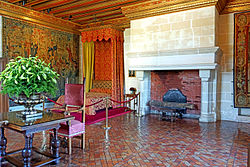 France-001608 - Gabrielle D'Estrees' Bedroom (15291484977).jpg