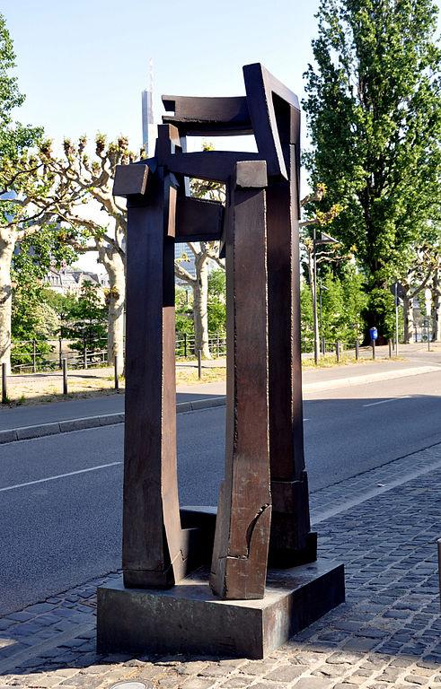 file frankfurt museum giersch skulptur schaumainkai wikimedia commons. Black Bedroom Furniture Sets. Home Design Ideas