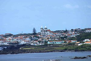 São Mateus da Calheta - A perspective of the village of São Mateus by the coast, which received its formal title from the many coves and bays along its margin