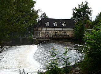 Allassac - The dam and the old mill on the Vézère at Garavet