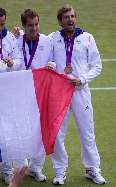 Archivo:Gasquet and Benneteau, 2012 Olympic bronze medallists.jpg