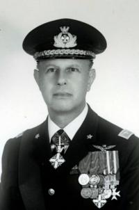 Generale di Squadra Aerea Oreste Genta.png