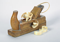 Germany Plane-with-wood-shavings-01.jpg