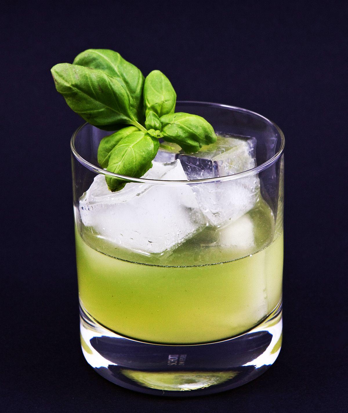 smash cocktail wikipedia. Black Bedroom Furniture Sets. Home Design Ideas