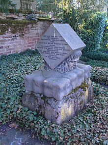 The tomb of August von Kotzebue in Mannheim (Source: Wikimedia)