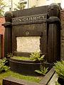 Grabmal ohne Grabtafel für Max Gumpel auf dem Jüdischen Friedhof An der Strangriede in der Nordstadt von Hannover.jpg