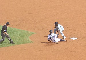 Curtis Granderson - Granderson steals his 20th base with the Tigers in 2007