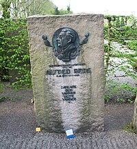 Grave of swedish musician alfred berg.jpg