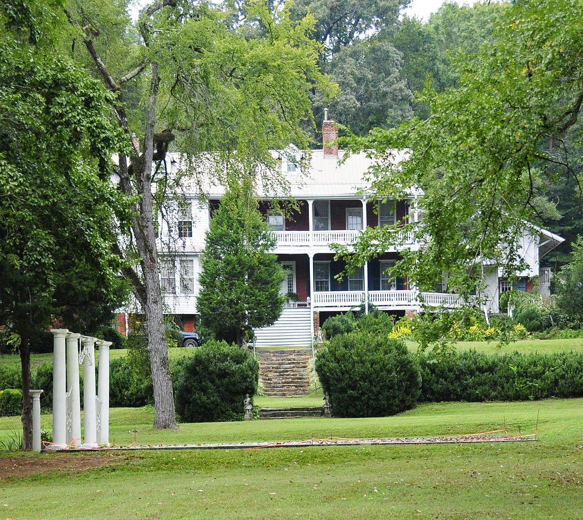 1200px-Green_River_Plantation Carolina Plantation Homes on carolina colonial homes, carolina plantations jacksonville nc, carolina plantation properties, quaker homes,
