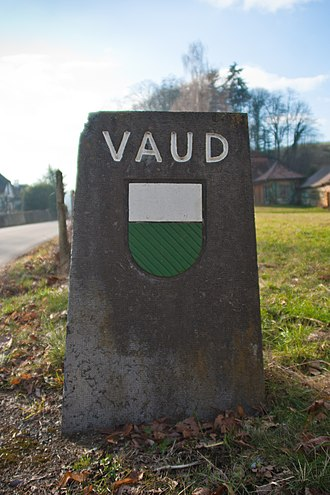 Haut-Vully - Border marker in Guévaux at the border with the Canton of Vaud.