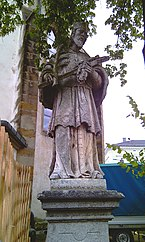 GuentherZ_2012-08-26_0113_Perg_Hauptplatz_Statue_Johannes_Nepomuk.jpg