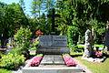 GuentherZ 2015-06-26 Salzburg-Stadt (11) Kommunalfriedhof Grabstein Bahr-Mildenburg.JPG