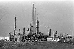 Gulf raffinaderij, Rozenburg, Bestanddeelnr 924-8259.jpg