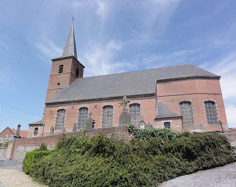 Gussignies (Nord, Fr) église Saint-Médard, vue latérale