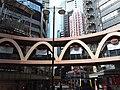 HK CWB 銅鑼灣 Causeway Bay 怡和街 Yee Wo Street ring shape footbridge June 2019 SSG 01.jpg