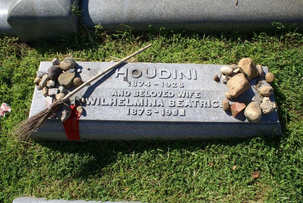 Harry Houdini Grave Marker 8-2008