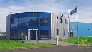 Außenansicht des Hauptgebäudes der Attilus GmbH in Jessen (Elster)