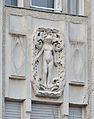 Haus Titania, Auhofstraße - sculpture 02.jpg