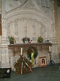 Hautecombe Umberto 02 Grave.jpg