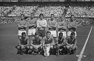 Aimé Jacquet - Jacquet (top row, second left) with the AS Saint-Étienne Le Championnat winning team of 1968.